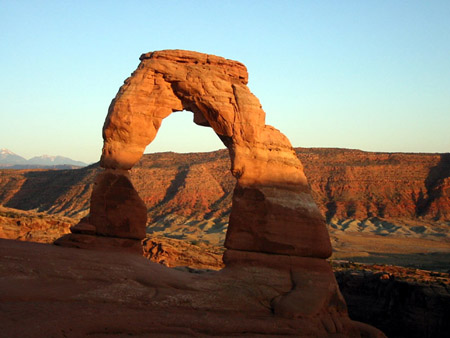 Delicate Arch:夕阳下